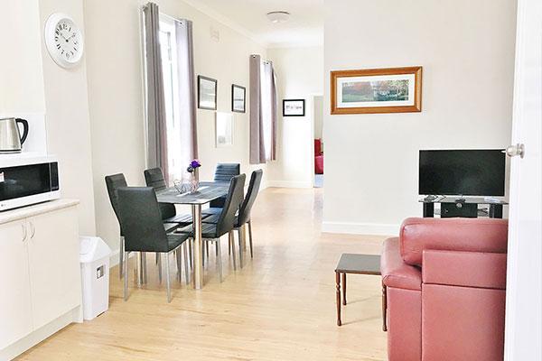 Carelles Apartment