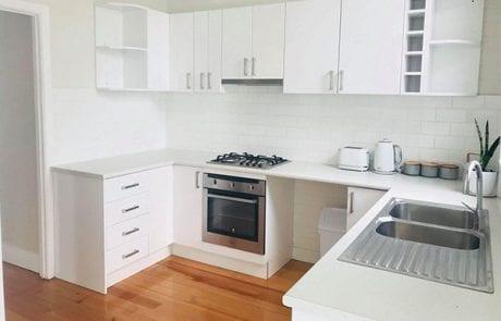 Glen Innes Cottage kitchen