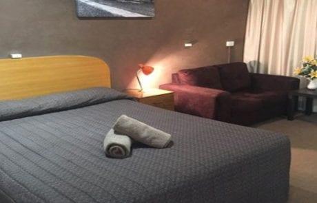 Glen Innes Motel standard queen room