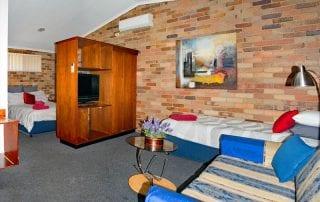 Rest Point Motor Inn Spa Room