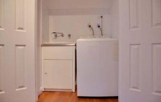 Sapphire Cottage laundry